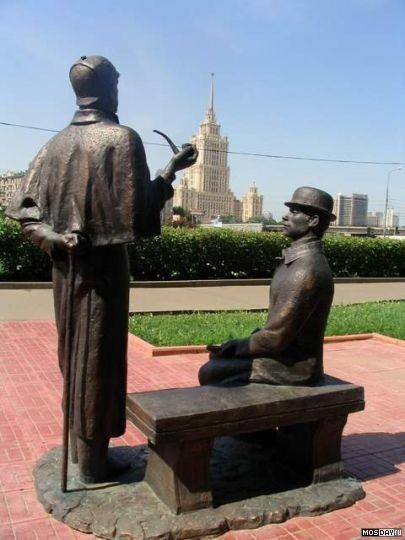 Памятники в москве литературным авторские московская область купить бетонные памятники урны