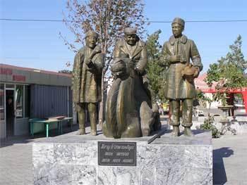 Памятник героям фильма Джентльмены удачи