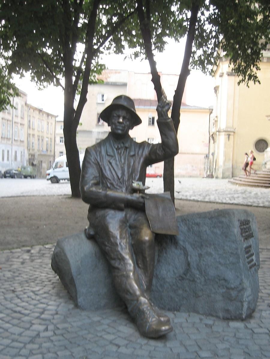 Памятники в екатеринбурге художники памятник angel купить innocent