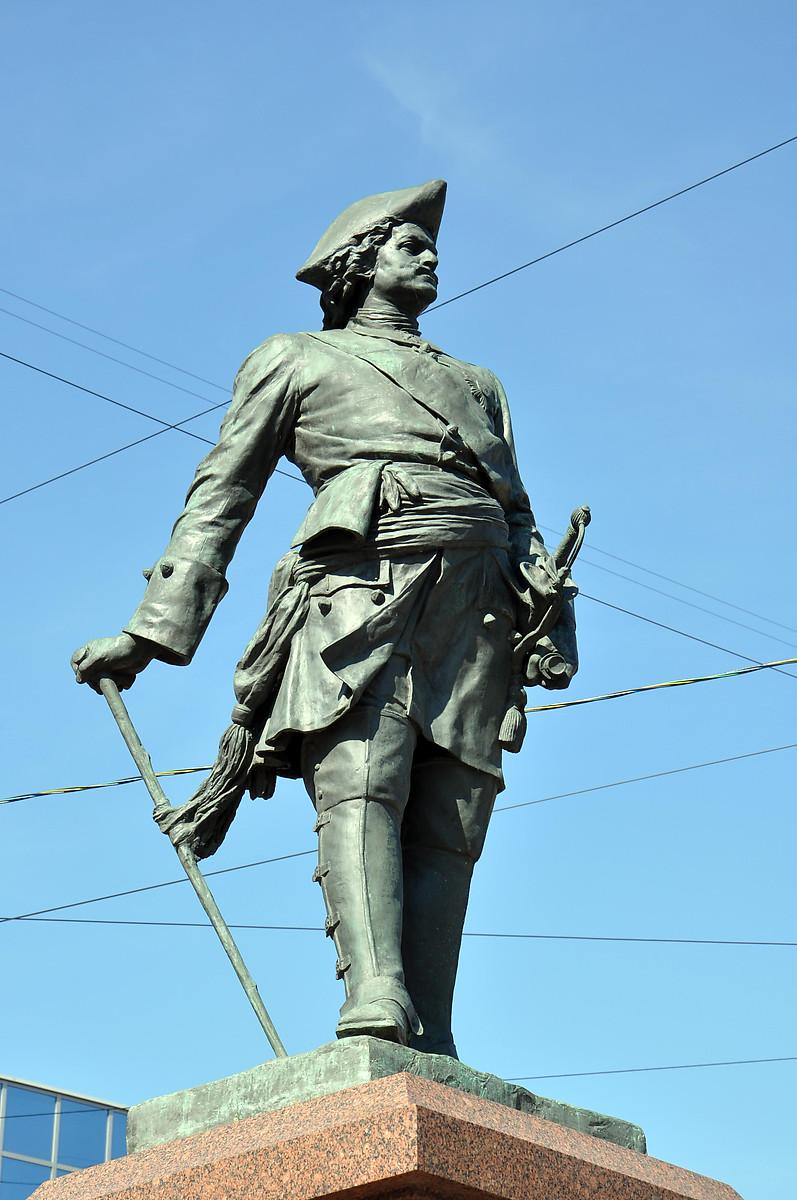 Картинка памятника петра великого