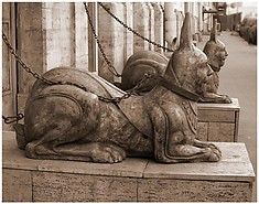 Hares-sphinxes