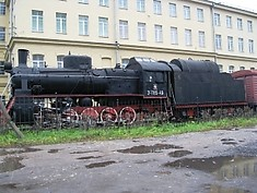 Steam locomotive in Sedova Street